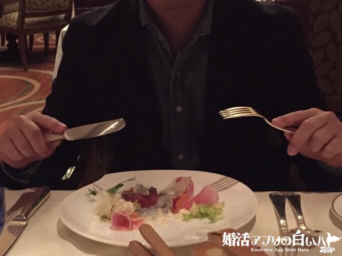イタリアンレストランで食事